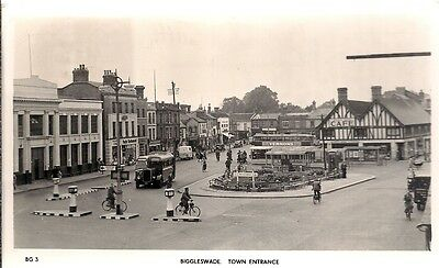 Superb Old R/p Postcard - The Town Entrance - Biggleswade - Bedfordshire 1954