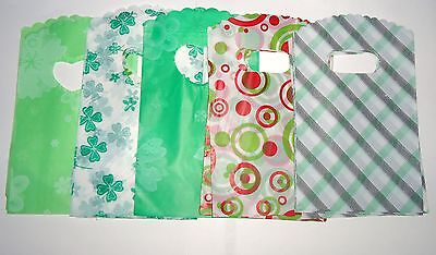 JOB LOT 50 GREEN PLASTIC GIFT JEWELLERY PARTY BAGS 15x9cm