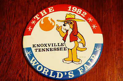 Vintage 1982 Worlds Fair Knoxville TN Smoky Button