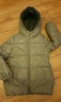 UNITED COLORS OF BENETTON. Girls Winter Coat. Age 7-8yrs.