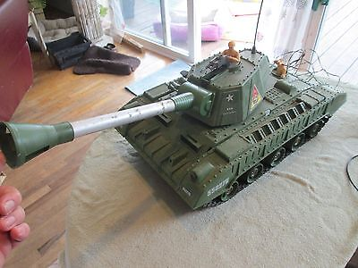 DeLuxe Reading Co.TIGER JOE Vintage 1961 Motorized Remote Control Toy Army Tank