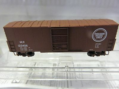Micro Trains Z Scale MTL 40' Box Car Single Door without Roof Walk NIB