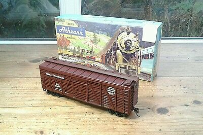 Athearn Ho, 1771, 40' Stock Car, Great Northern #55405   (18)