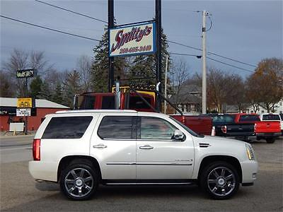 2007 Cadillac Escalade Base Sport Utility 4-Door 2007 Cadillac Escalade Luxury AWD SUV Navigation Sunroof Bose Tow Package Pearl!