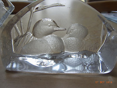 Mats Jonasson lead crystal paperweight - 3555 - Ducks
