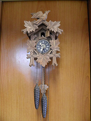 Ancienne Pendule A Coucou  Mad In  Germany  Bois Sculpte Deco