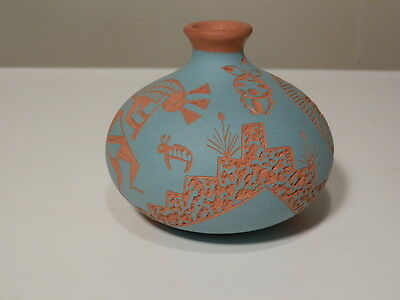 """Small 2 3/8"""" Acoma Nm Pottery Vase 1993 Very Nice Take A Look"""