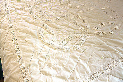 handmade white lace single quilt coverlet entwined wedding rings design 82 x 64""