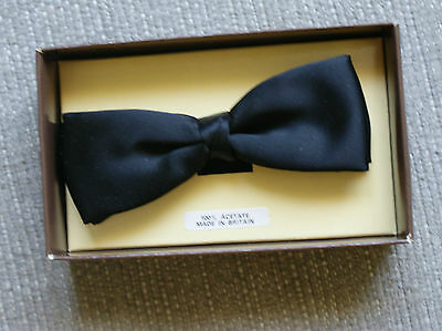 Vintage Mens Black Dunn & Co Bow Tie BOXED 40s 50s 60s WW2