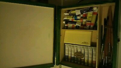 artists box and contents