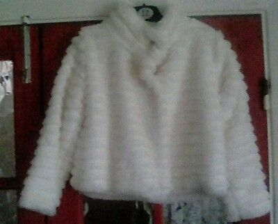 George White Faux Fur Bridesmaid Party Jacket Size 122 -128cm Age 7/8 Years
