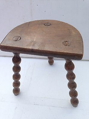 """ANTIQUE VINTAGE FRENCH SOLID OAK WOODEN  RUSTIC 3 CARVED LEGGED STOOL 13x11x8"""""""