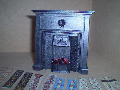 Dolls house miniature 1/12th scale Victorian lit fireplaceF4C1T