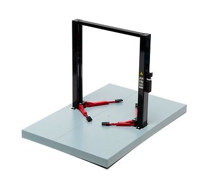 Greenlight 12917 - 1/18 SCALE METAL 2 POST SERVICE LIFT (RED AND BLACK)