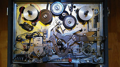 Roberts 770x (Akai M-8) Left Side Table Roller with Belt Guide for Reel to Reel