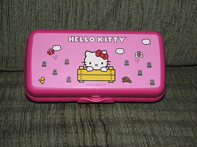 Tupperware  Rare Pink HELLO KITTY Lunch Sandwich Hoagie Sub Keeper Case 6600B