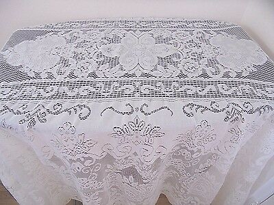 Vintage Off White Lace Oval Tablecloth 81 x 48 in. Romantic Cottage Farmhouse