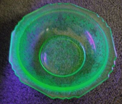 "VINTAGE FLORENTINE No 1 GREEN VASELINE DEPRESSION GLASS 5"" BERRY BOWL POPPY"