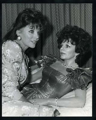 1985 JOAN COLLINS w/ Her Wax Model @ Madame Tussauds Vintage Original Photo gp