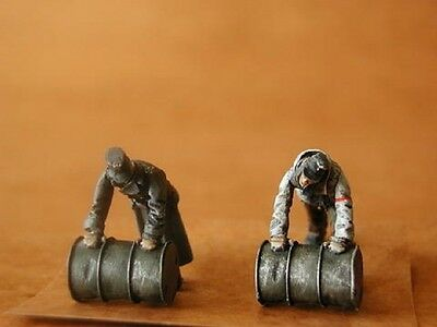 CMK F48065 WWII German Soldiers Rolling Barrels Resin Figuren in 1:48
