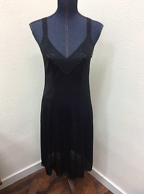 Vanity Fair Vintage Full Slip Sz 34 Black Lace & Nylon