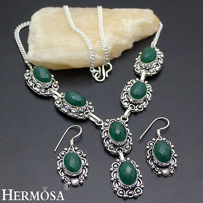 New 925 Sterling Silver SET. Retro Green Emerald Necklace & Earrings MK1944