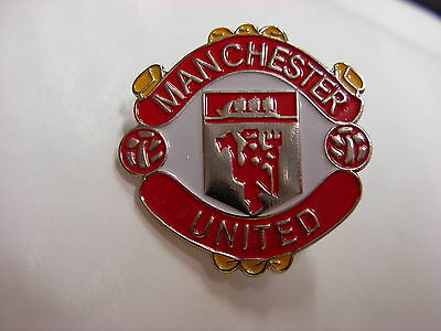 Manchester United Football pin badge. Nice enamel lapel badge.
