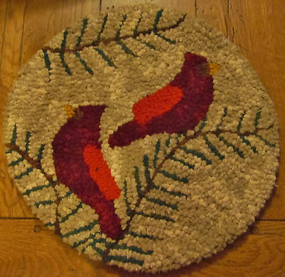 CARDINALS CHAIR PAD ROUND Primitive Rug Hooking  KIT WITH #8 CUT WOOL STRIPS