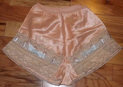 1930s 40s Rayon Panties Lingerie Vintage Bridal Pin up Tap Pants Lace Ribbon