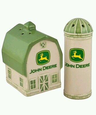 John Deere Stoneware Salt and Pepper Shakers Set Green Barn & Silo Licensed New
