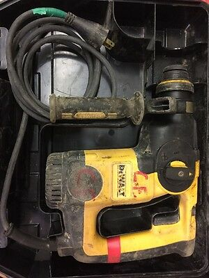 Dewalt D25313 L-SHAPE THREE MODE SDS ROTARY HAMMER DRILL & CASE