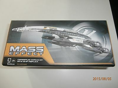 Mass Effect - Cerberus Normandy Sr2 Ship Replica - Includes Display Base - Mip