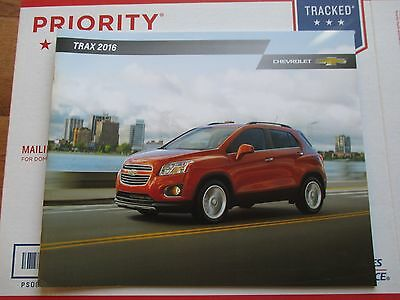 2016 16 Chevrolet Chevy Trax Dealer Sales Brochure Manual Book Catalog