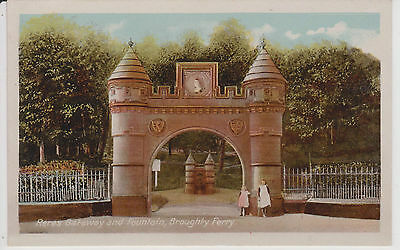 Angus Broughty Ferry ,Reres Gateway and Fountain By Milton