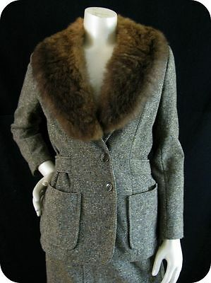 Chic 70s Does the 40s VTG Wool Tweed Fur Portrait Collar Fitted Jacket Skirt sm