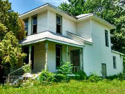 Kansas City, Kansas, 4 Bedroom\, 2 Bath, Garage/shed, Fix-Up Home, Easy Terms!!