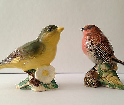 BESWICK BIRDs Gloss   GREENFINCH 2105  and  ROBIN 980  with slight imperfections