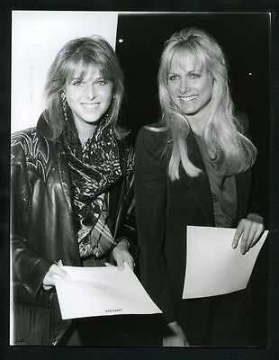 1986 Original Photo CATHERINE OXENBERG & SHELLEY SMITH Dynasty Watch Over Me gp