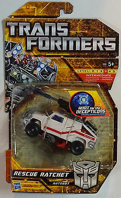 HASBRO® 20908 Transformers HUNT OF THE DECEPTICONS Deluxe Rescue Ratchet