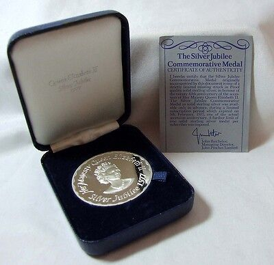 1977 QE2 Silver Jubilee Stirling Silver Proof Medal Hallmarked John Pinches