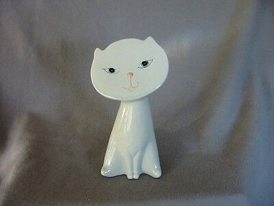 Vintage Cat Figurine White With Flat Face - Made In Taiwan