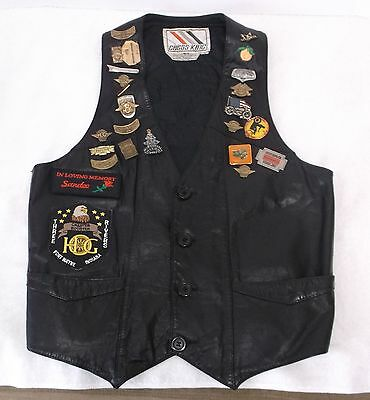 VINTAGE Chess King LEATHER VEST Brown Ladies S HARLEY DAVIDSON Pins & Patches