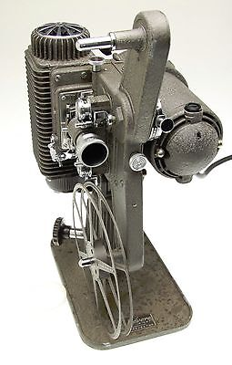 Vintage REVERE EIGHT 8MM PROJECTOR Model 85. AS IS. #5680