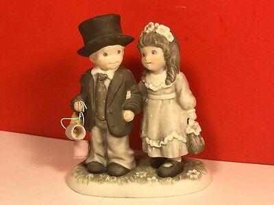 1996 Enesco Figurine Always Forever Pretty Picture Boy Girl Tin Cans Porcelain
