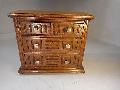 Miniature Oak Chest of Drawers     ref 1910