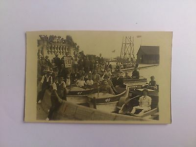 Early Social History Postcard Yesteryear Holiday Makers Great Yarmouth Boating