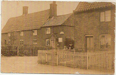 KIRBY CANE POST OFFICE REAL PHOTO PC 1900s - NORFOLK - OLD MAN/CHILDREN