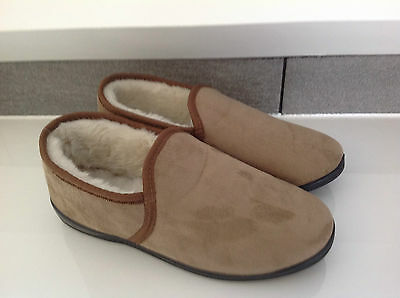 MENS HIGH QUALITY FLEECE LINED TAN SLIPPER WIDE FIT IN SIZE 7 to 11
