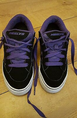 HEELY'S. Girls Skate Trainers. Size uk 2.