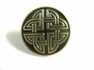 Celtic knot pin badge. Version 2. Nice silver and black design